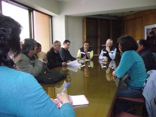 Seremi De Obras Públicas Se Compromete Habilitar Camino Peatonal Al Lago Villarrica