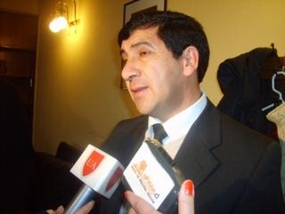 Delegación De Lonquimay Se Reúne Con Ministro Hinzpeter Para Evitar Marcha a Caballo De Edil a La Moneda