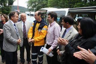 Gobierno Regional Entrega Vehículo De Transporte De Pacientes Para Lonquimay
