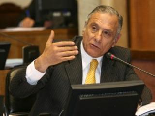 Senador Tuma Emplazó a Director De Conadi a Presentar En Tribunales Denuncias Por Cohecho