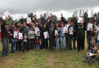 Comité De Campamento Que Recuerda a Felipe Camiroaga Recibió Sus Subsidios De Vivienda
