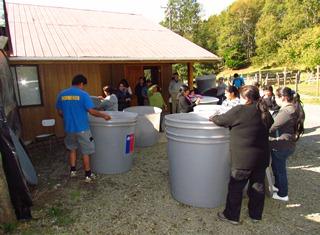 Familias De Pucón Afectadas Por Déficit Hídrico Recibieron Nuevos Estanques Para Acopio De Agua
