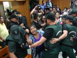 Con Serios Incidentes Terminó Juicio Que Condenó a Tres Mapuches Por Muerte De Parcelero En Ercilla