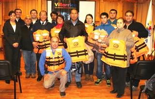 Empresa Privada Dona Chalecos Salvavidas a Agrupaciones De Boteros En Villarrica