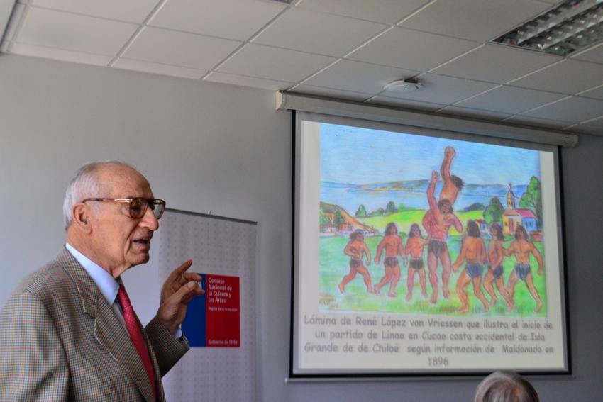 Presentan Libro Del Profesor E Investigador Carlos López Sobre Deportes Mapuche Pillmatun Y Linao