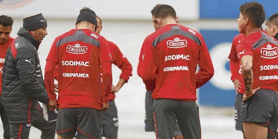 En Radio Universal; Chile Sale A Ganar Frente A Ecuador