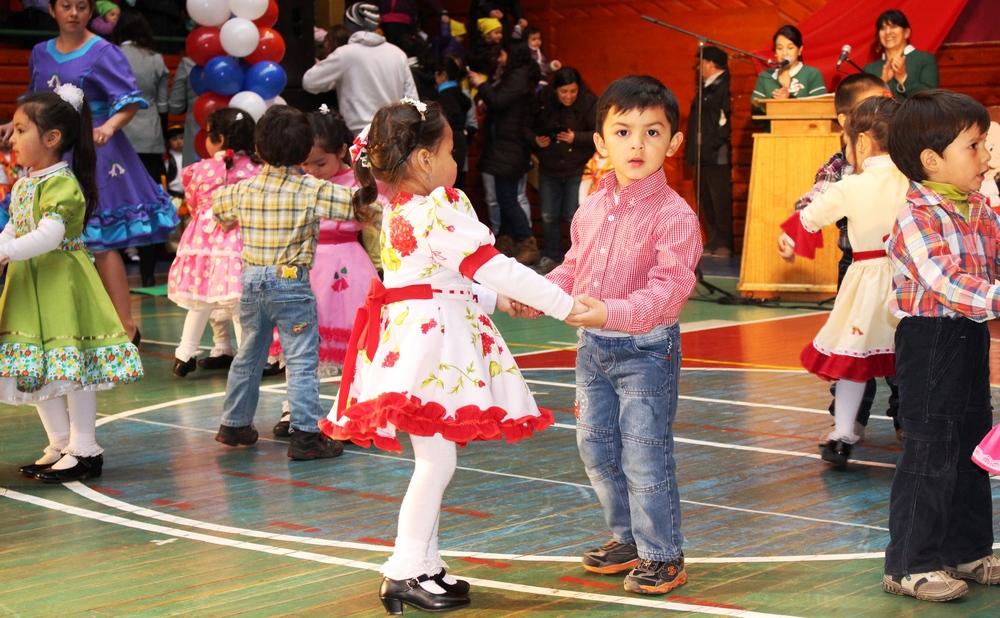 Gala Folclórica Villarrica 2015; Esfuerzo Del Personal Educativo