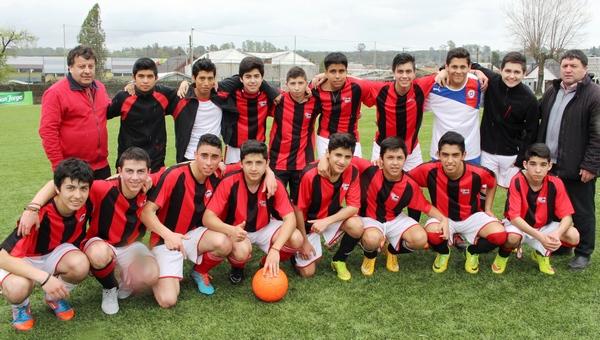 Selección De Fútbol Se Lucen En Juegos Deportivos Escolares