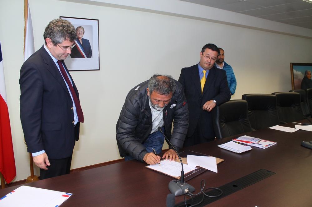 Pescadores de Queule firman Protocolo de Acuerdo