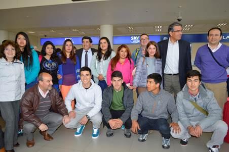 Delegación De Escolares Arriba A Francia Y Continúan Con Pasantía