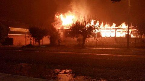 Incendio Destruyó Colegio Egon Keutmann De Huiscapi