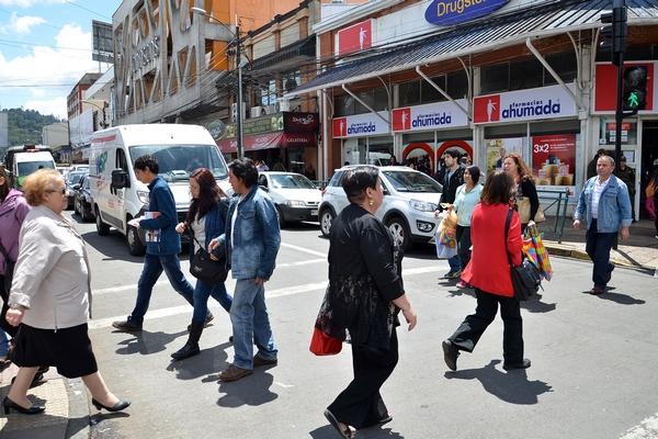 Por Días De Compras Suspenden Tránsito En Calle Bulnes De Temuco