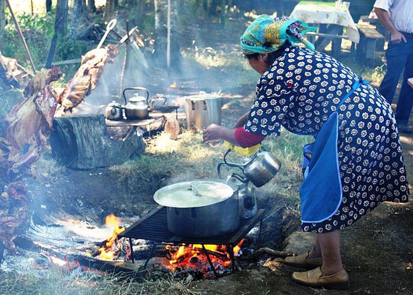 Feria De Quelhue Promete Gastronomía Mapuche Tradicional