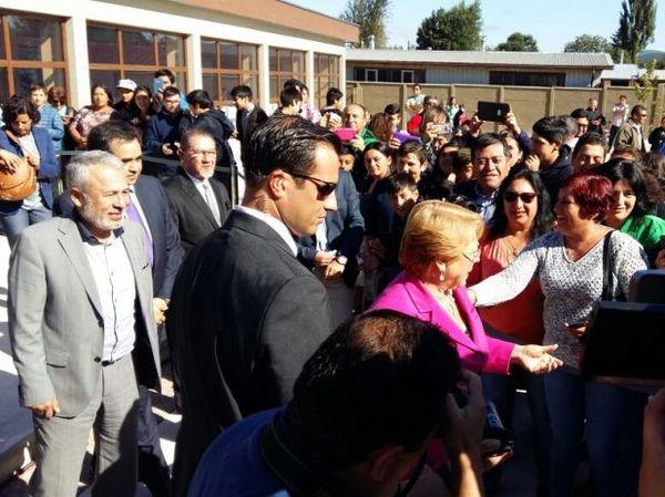 En T. Schmidt Presidenta Michelle Bachelet Inauguró Año Escolar
