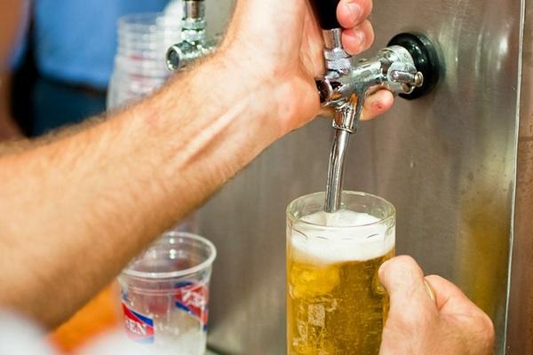 En Pucón Vence el Plazo para Renovar las Patentes de Alcoholes