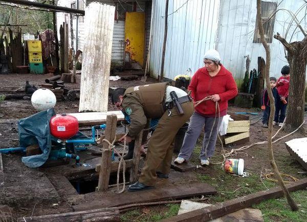 En Pitrufquén Carabineros Rescató A Mujer Que Cayó A Pozo
