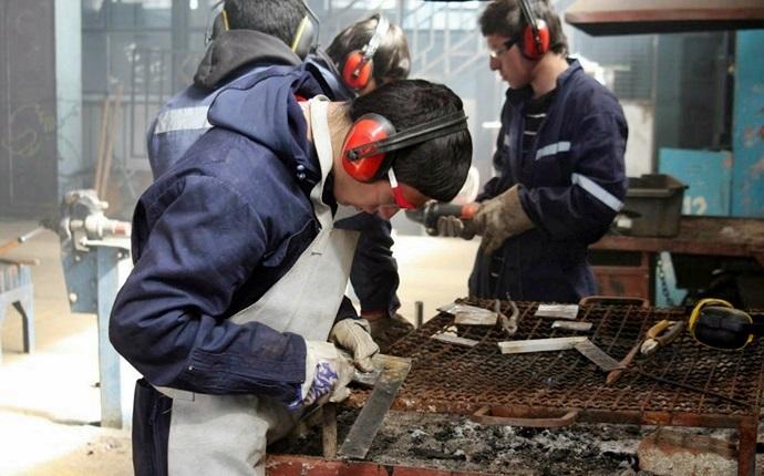 JUNAEB: 2 mil nuevas becas para Práctica Técnico Profesional