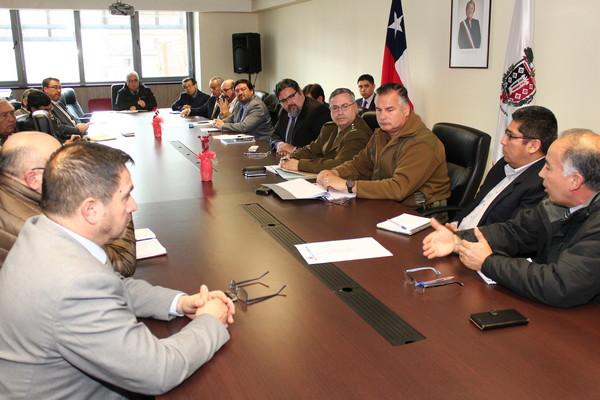 Intendente (S) Chancerel Preside Reunión Entre Iglesias Y Policías