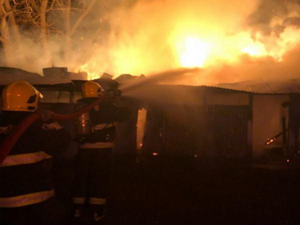 Incendio Arrasó Con  Lechería  De Conocido Vecino De Freire