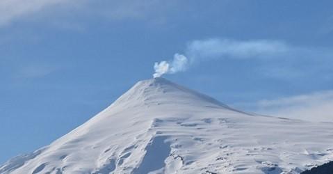 Volcán Villarrica Sufre Explosión Moderada a Nivel Del Cráter